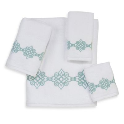 Avanti Madison Riverside Fingertip Towel in White