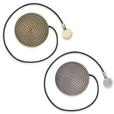 Magnetic Round Tie Back in Gold