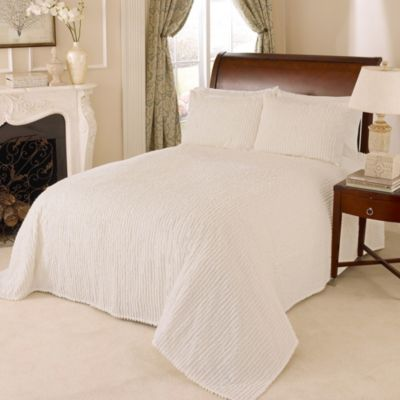 Channel Chenille Queen Bedspread in Ivory