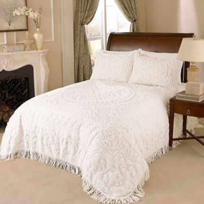 Medallion Chenille Queen Bedspread in White