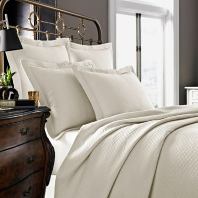 Kassatex Diamante Collection Queen Coverlet in Ivory