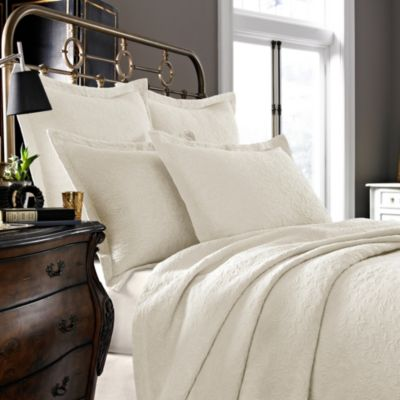 Kassatex Foglia Collection Queen Coverlet in Ivory