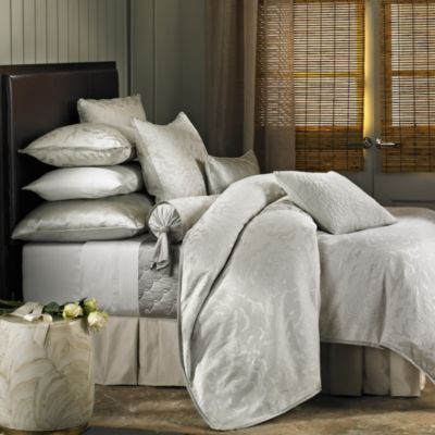 Barbara Barry Dream Petal Garden King Duvet Cover in White