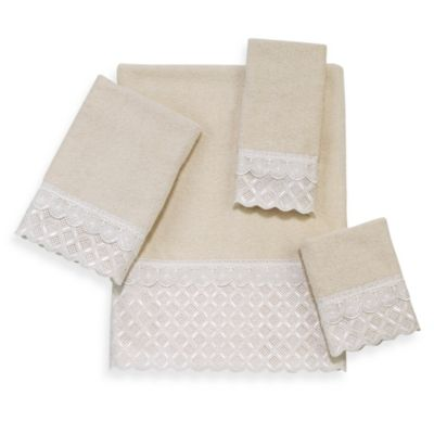 Eyelet Scallop Bath Towel