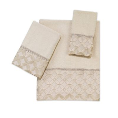 Avanti Floral Grid Bath Towel