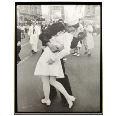 Kissing of V-J Day Wall Art