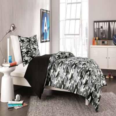Derek Reversible Twin/Twin XL Comforter Set in Black