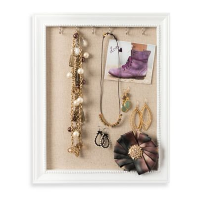 Medium Jewelry Frame in White