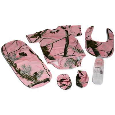 Realtree AP Pink Size 0-6M 5-Piece Baby Gift Set in Camo