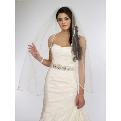 Single Tier Ribbon Edge Veil in Ivory