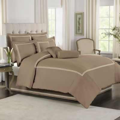Wamsutta® Baratta Stitch King Comforter Set in Canvas