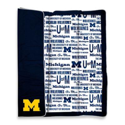 University of Michigan Indoor/Outdoor Throw Blanket