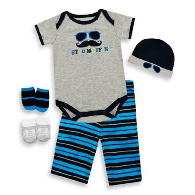 "Baby Essentials Boys 5-Piece ""Stud Muffin"" Layette Set in 3-6M"