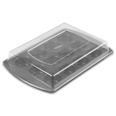 Wilton® Advance® 12-Cup Muffin Pan with Lid