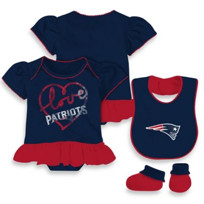 NFL New England Patriots Size 24M 3-Piece Girl Creeper Bib and Bootie Set