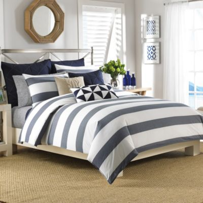 Nautica® Lawndale Reversible Full/Queen Comforter Set in Navy