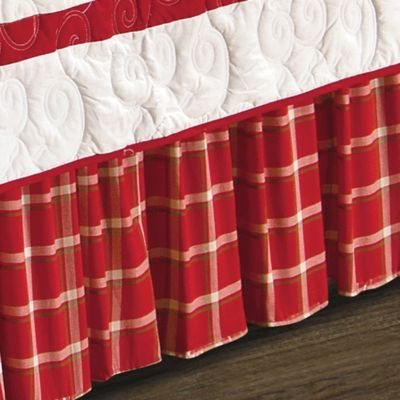 Berry Wreath Queen Bed Skirt