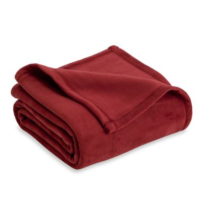 Vellux Plush Full/Queen Blanket in Burgundy