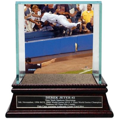 Steiner Derek Jeter Moments The Dive Single Ball Glass Case