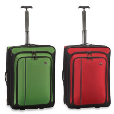 Victorinox® Werks Traveler™ 4.0 Green 24-Inch Expandable Wheeled Upright