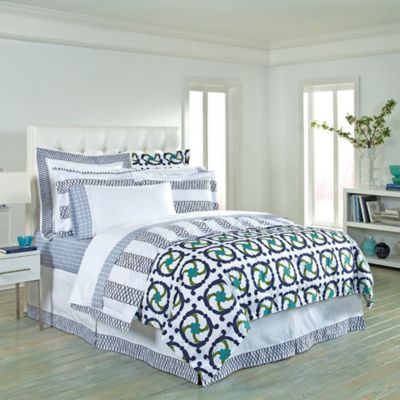 COCOCOZY™ Katie/Loop Reversible Queen Duvet Cover in Navy