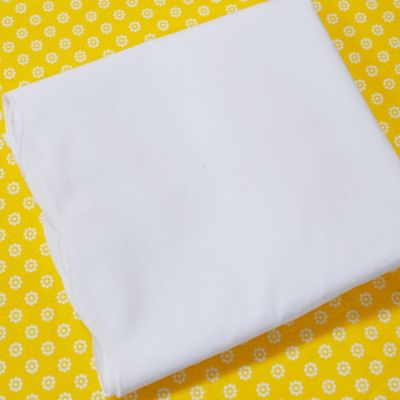 Oliver B 2-Piece Scallop Crib Bedding Set in Sunshine Yellow/White