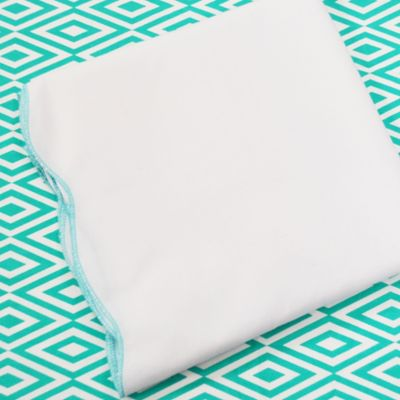 Oliver B 2-Piece Scallop Crib Bedding Set in Turquoise/White