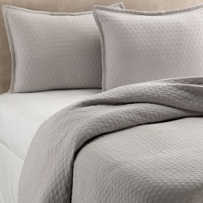 Vera Wang™ Puckered Diamond Matelassé Queen Coverlet in Steel