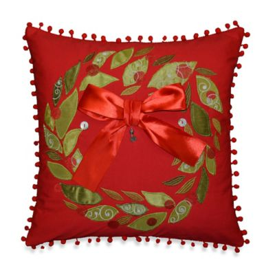 Holiday Wreath Throw Pillow in Red