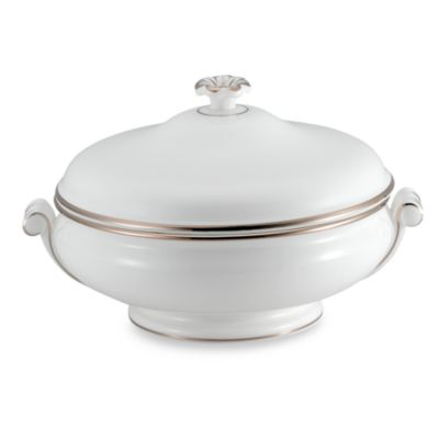 Wedgwood® Sterling 1 1/2-Quart Covered Vegetable Dish