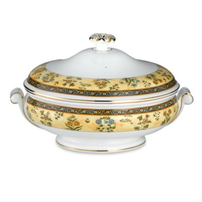 Wedgwood® India 1 1/2-Quart Covered Vegetable Dish