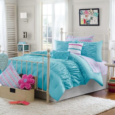 Julissa Full/Queen 3-Piece Comforter Set in Aqua