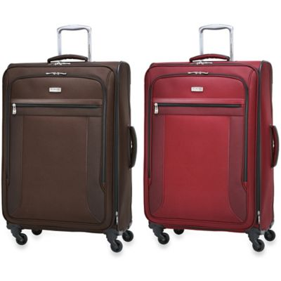 Ricardo Beverly Hills Montecito Micro-Light 28-Inch 4-Wheel Expandable Spinner Upright in Wine