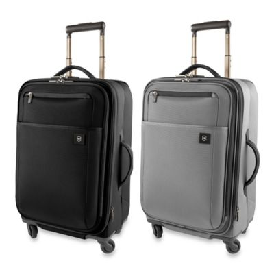 Victorinox Avolve 2.0 4-Wheel Expandable 22-Inch Carry-On in Black
