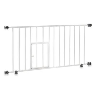Carlson Mini Gate with Pet Door and 6-Inch Extension in White