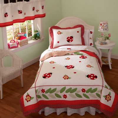 Lady Bug Yard Twin Quilt Set