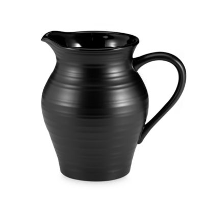 Swirl Black 2 3/4-Quart Pitcher