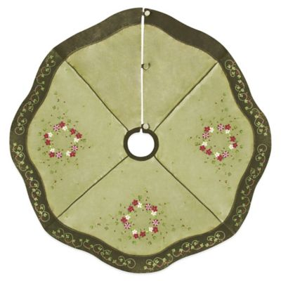 Holiday Wreaths 54-Inch Tree Skirt