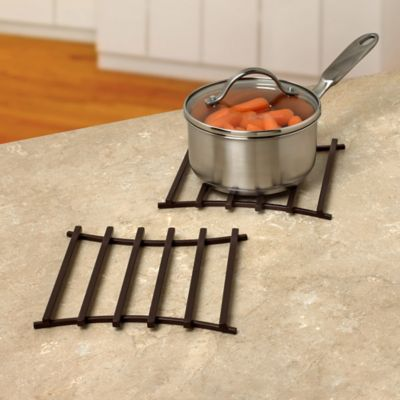 Spectrum™ Euro Square Wire Trivet in Bronze
