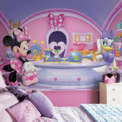 Disney® Minnie Fashionista Chair Rail 10.5-Foot x 6-Foot Mural