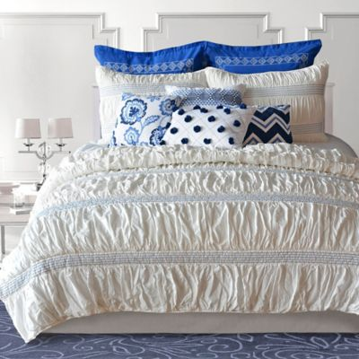 Nostalgia Home™ Neve Queen Quilt in Indigo