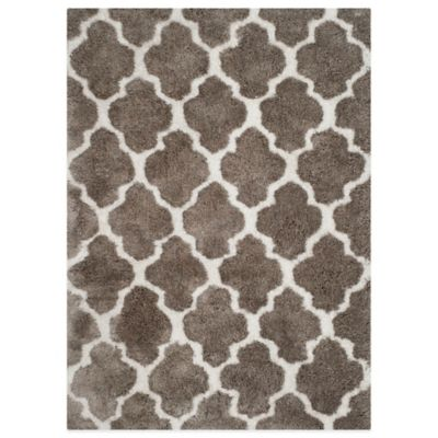 Safavieh Nantucket Collection 2-Foot x 7-Foot Barcelona Shag Runner in Silver/White