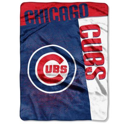 MLB Chicago Cubs Strike Raschel Oversized Throw Blanket