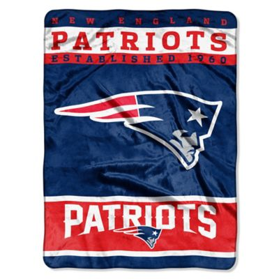 NFL New England Patriots Strike Raschel Oversized Throw Blanket