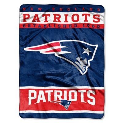 NFL New England Patriots Strike Raschel Oversized Throw Blanket