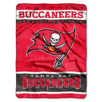 NFL Tamp Bay Buccaneers Strike Raschel Oversized Throw Blanket