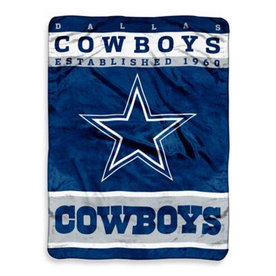 NFL Dallas Cowboys Strike Raschel Oversized Throw Blanket