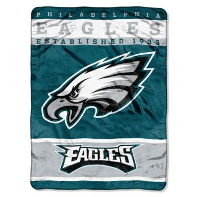 NFL Philadelphia Eagles Strike Raschel Oversized Throw Blanket