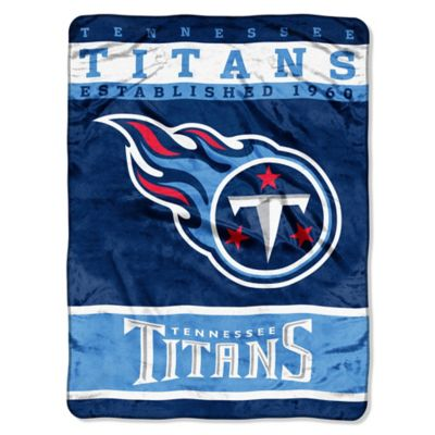 NFL Tennessee Titans Strike Raschel Oversized Throw Blanket