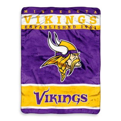 NFL Minnesota Vikings Strike Raschel Oversized Throw Blanket